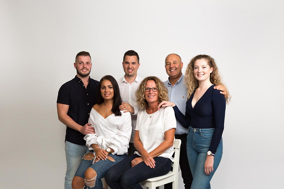 Extended Family Portrait - photographer yeovil